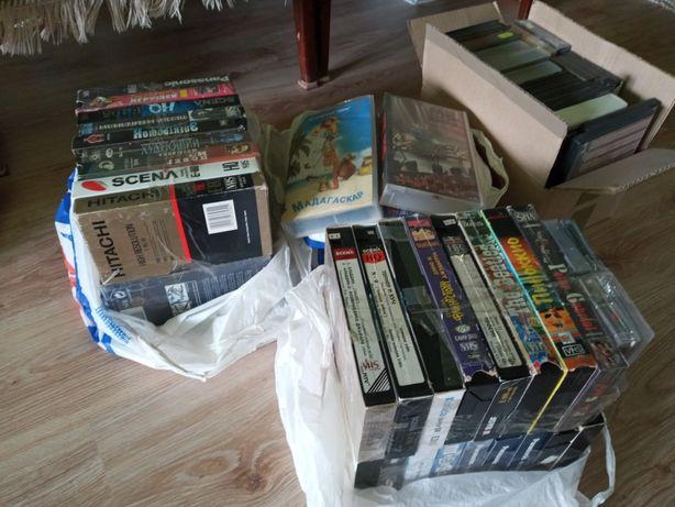 Продам видекасеты и двд диски б.у.