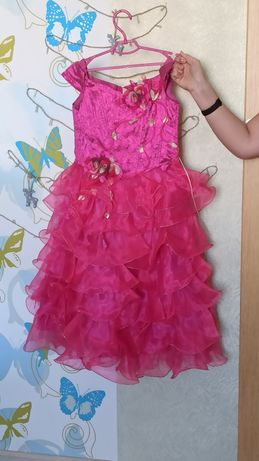 Продам детское бальное вечернее платье, р. 5-7 лет