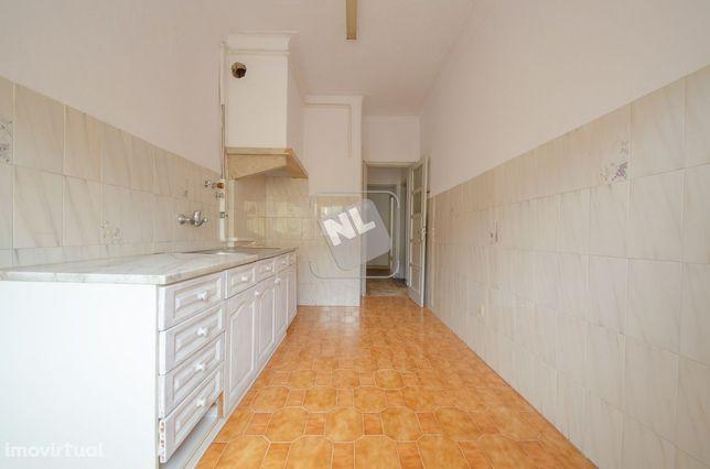 Apartamento T2   Benfica