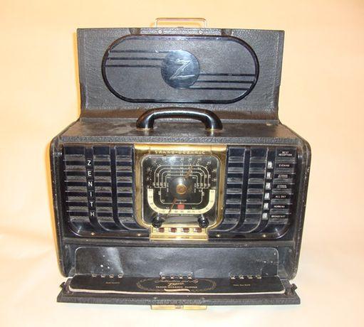 """Rádio antigo a válvulas - Marca """" ZENITH """""""