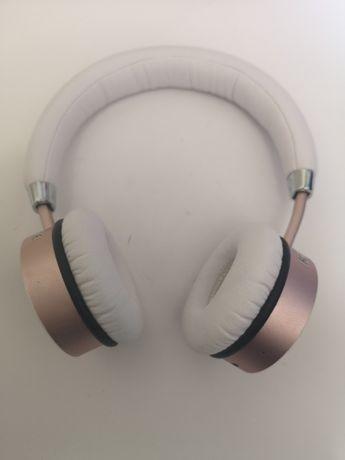 Беспроводные наушники Satechi Bluetooth.