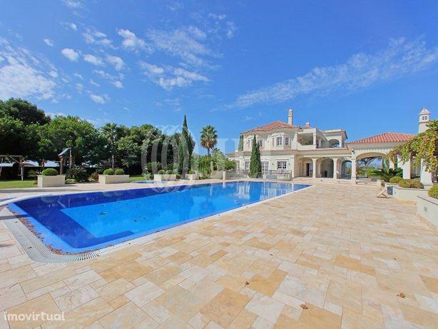 Moradia T11 com vista mar e piscina infinita na Quinta do...