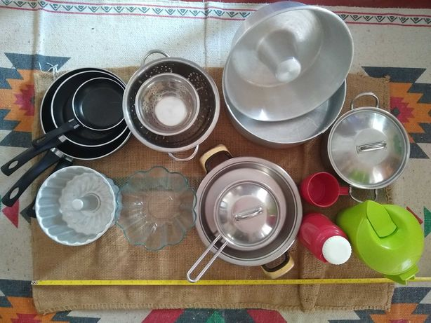 Conjunto Cozinha (panelas, frigideiras, formas de bolo, escorredores)