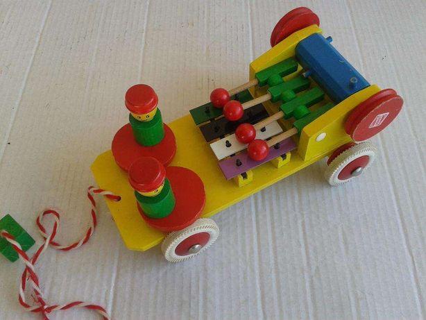 Brinquedo Musical de Madeira