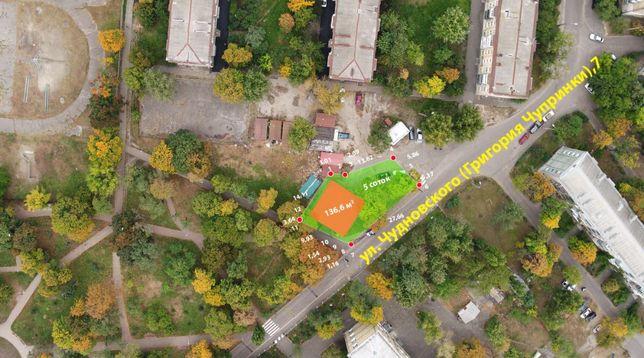 Продам помещение с земельным участком Киев ул.Чудновского,7 ВЛАДЕЛЕЦ