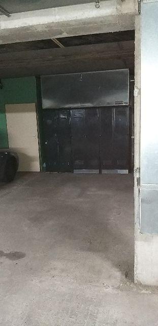 Sprzedam miejsce postojowe w garażu podziemnym z zabudową, garaż Ząbki