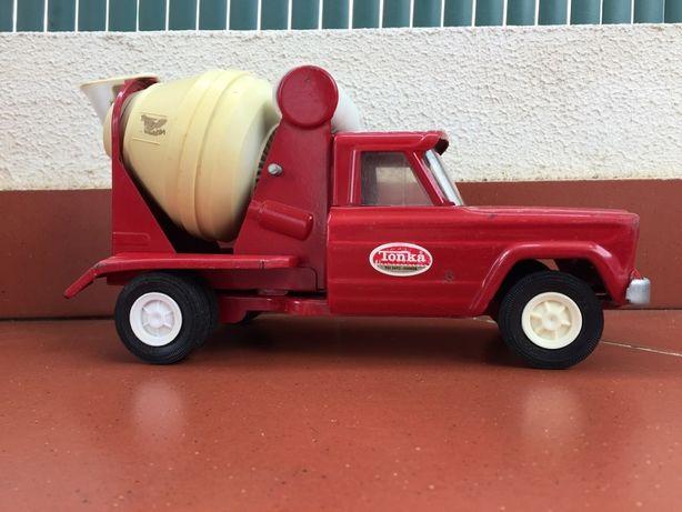 TONKA -- Camião cimento Escala 1 : 24 -- Carro miniatura colecionável