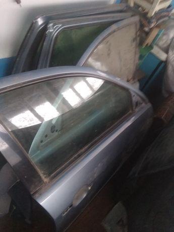 Продам,двери, капот, багажник,на форд Мондео мк3,уневерсал