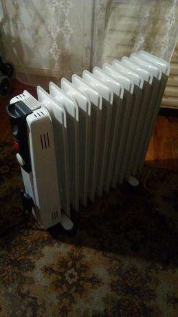 Масляный нагреватель, 11 секций, Binatone. В отличном состоянии!