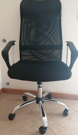 Cadeira á venda (ler descrição)
