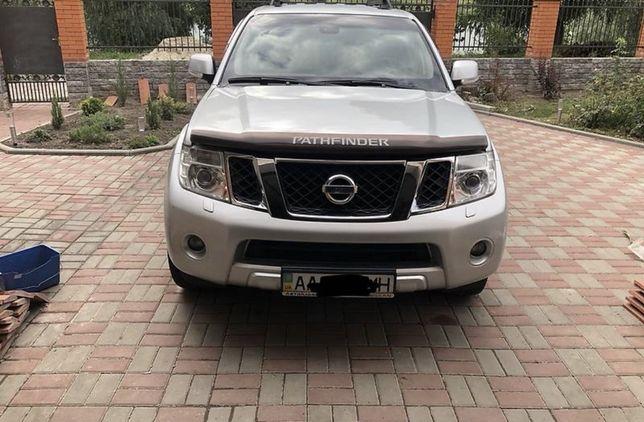 Nissan Pathfinder 2012 року