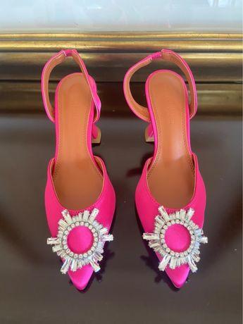Sapatos Amina muaddi