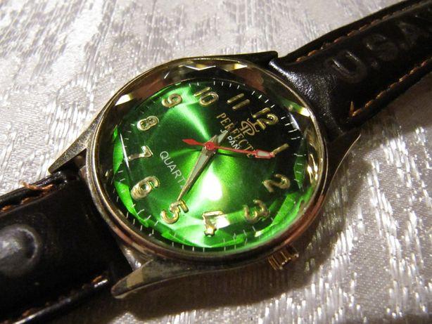 Часы PERFECTE кварцевые, в коллкцию, 2008 года, новые