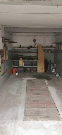 Garaż z kanałem i mini warsztatem