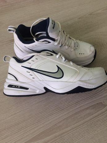 Nike air monarch buty