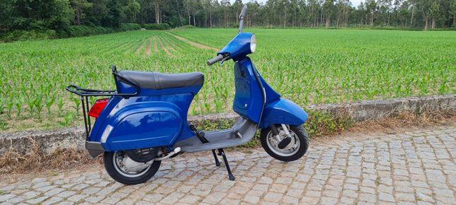 Vespa azul  50cc