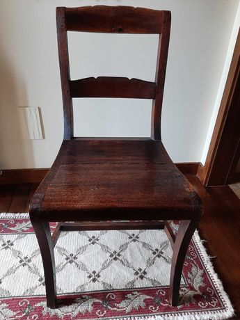 Cadeiras em madeira - muito bom estado