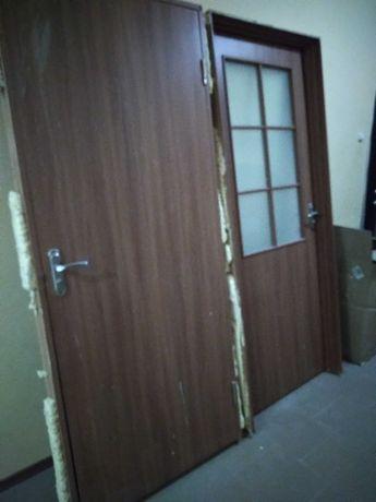 Продам межкомнатные двери 200 см х 80 см