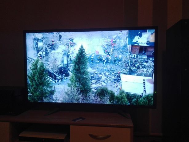 Telewizor42 cale NEC V423 FHD monitor Public Display
