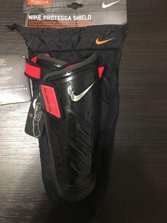 Продам новые щитки Nike (с этикеткой)