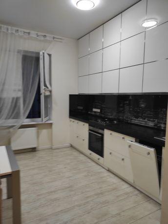 Сдам 2 к комнатную квартиру по ул Драгоманова
