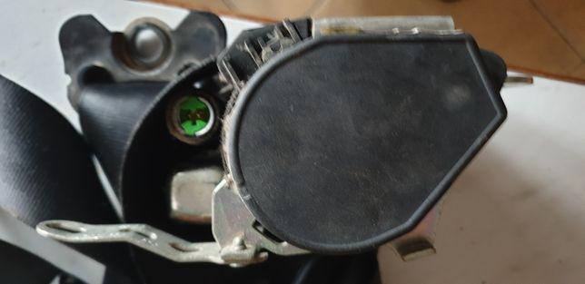 6L pas bezpieczeństwa prawy lewy przód seat cordoba2 ibiza3 od 02-09r.