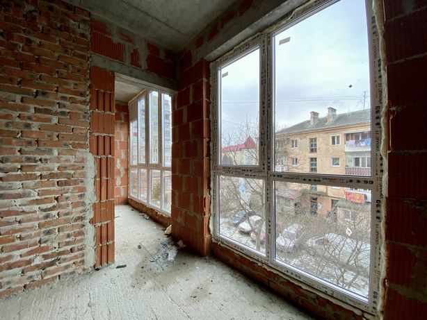 Продам велику однокімнатну смарт-квартиру в центрі. З наповненням