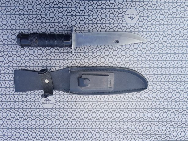 Nóż z etui