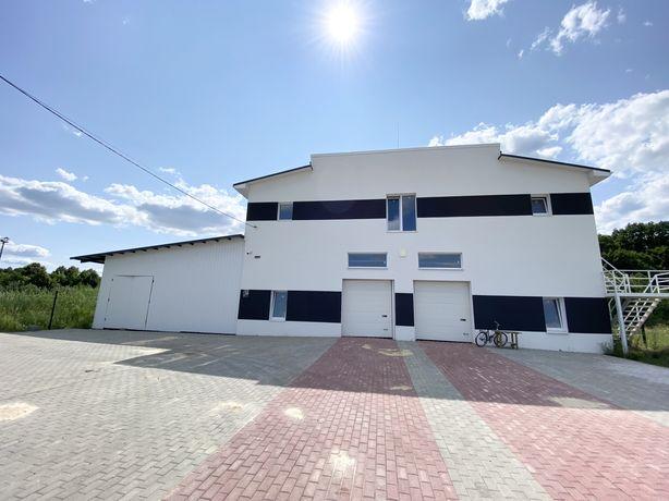Комерційне приміщення з ремонтом та власною територією. м. Костопіль.