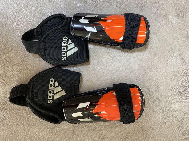 Щитки футбольные adidas 4-5 лет