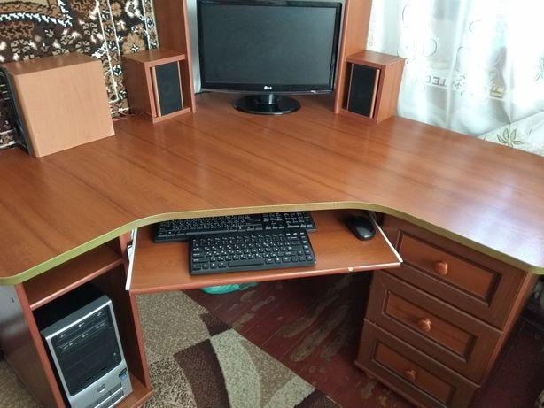 Комп'ютерний стіл (кутовий)