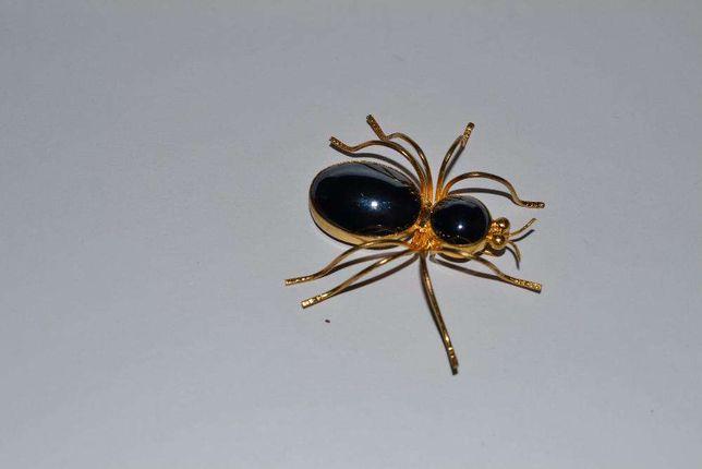 шикарная старинная брошь позолота паук натуральный камень новая в коро