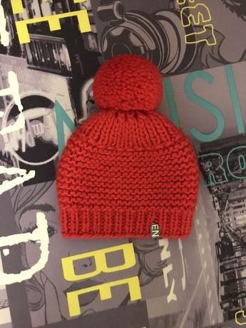 Вязанная зимняя шапка