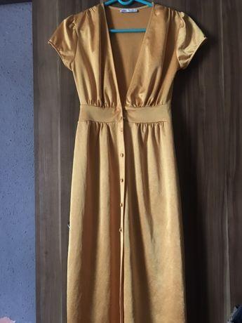 Sliczna sukienka z guzikami