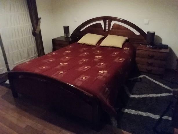 Mobília de quarto casal completo em Cerejeira