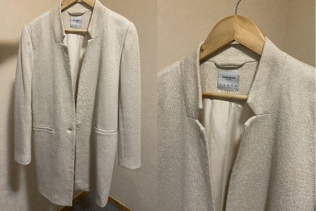 Пальто пиджак молочного цвета Vero moda