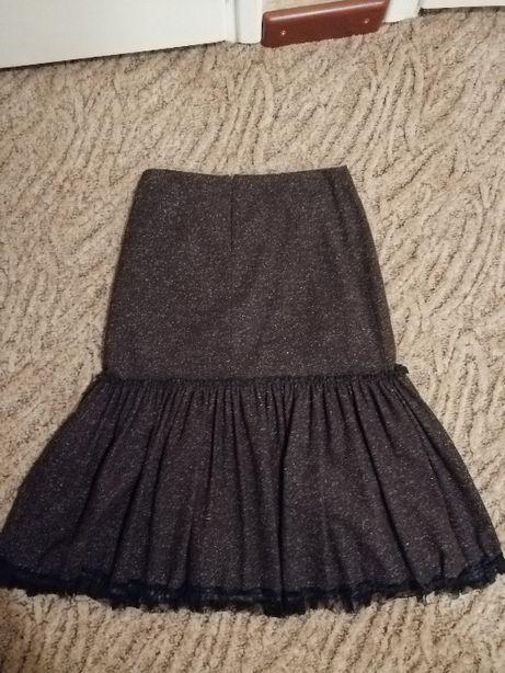 Piękna wełniana spódnica Grayan rozmiar 42.
