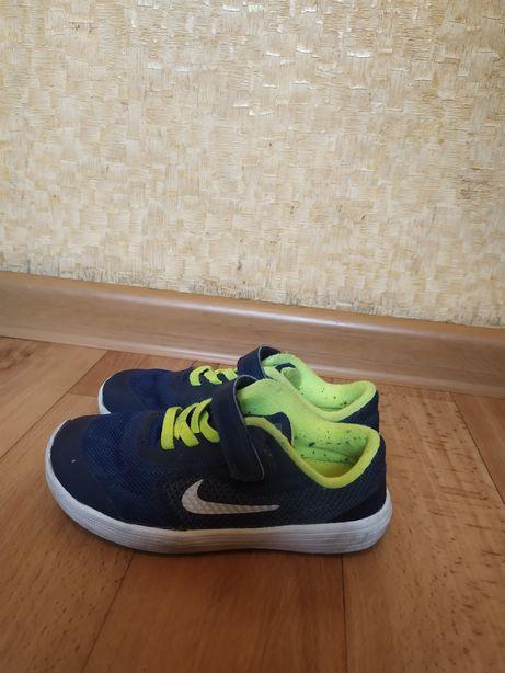Кросовки Nike 26 размера, стелька 17 см