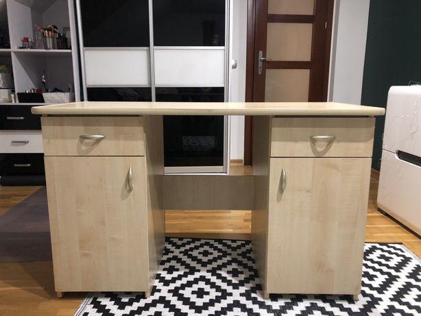 Biurko z dwoma szafkami