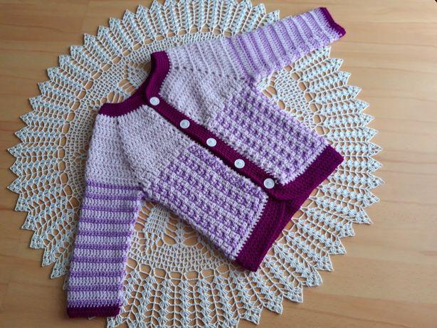 Szydełkowy sweterek zapinany 92