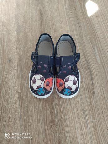 Новая обувь для детского сада