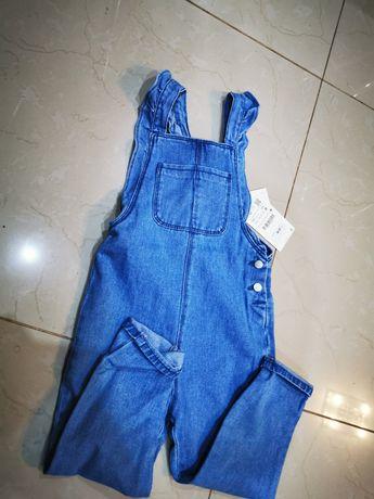 Ogrodniczki jeansowe Zara