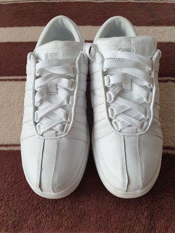 Skórzane buty K-SWISS rozmiar41 długość wkładki 26 cm.