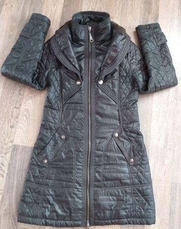 Жіноча весняна курточка