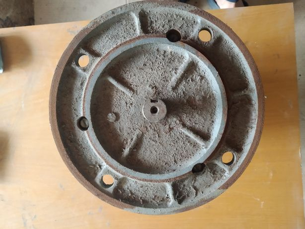 Продам електродвигуна 220/380,  0.55 Ква-1360 Об.хв. Д,вала 19 мм.
