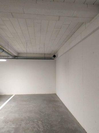 Garaż miejsce postojowe parking Kraków Kliny Zacisze Małysiaka