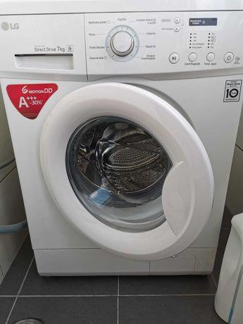Máquina de lavar roupa - LG