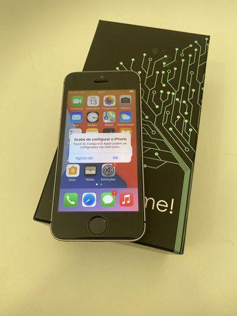 Apple iPhone 5 SE - 32GB