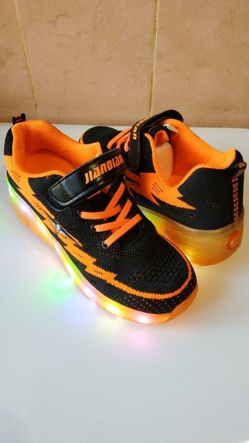 Светящиеся роликовые кроссовки с led подсветкой (24 см.)