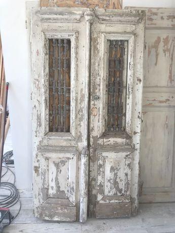 Portas antigas de entrada (100 anos ou mais)